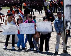 http://www.laautenticadefensa.com.ar/2010/11/11/101111-49.JPG