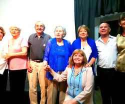 DATOS DE LA AUTORA Campanense como sus padres, tiene ocho hijos, 17 nietos y 4 bisnietos. Es Maestra Normal Nacional 1948 y Maestra Artes Visuales 1995 (1º Promoción Escuela Superior de Arte Campana). ...