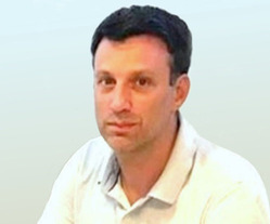 Mariano D. Raineri...